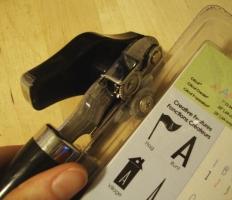 can opener n plastic pkg